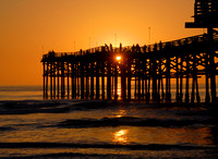 The long sunset at Crystal Pier